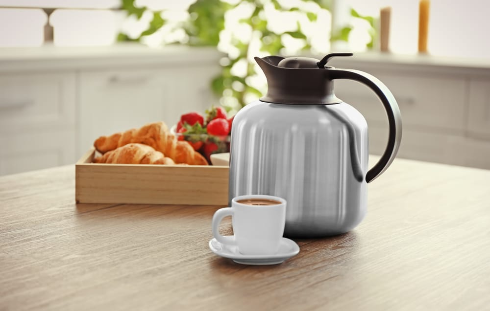 Using a Thermal Carafe to keep your coffee warm